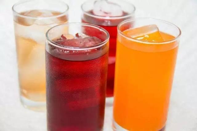 昆明治白斑好医院:碳酸类饮料对白癜风患者有危害吗?